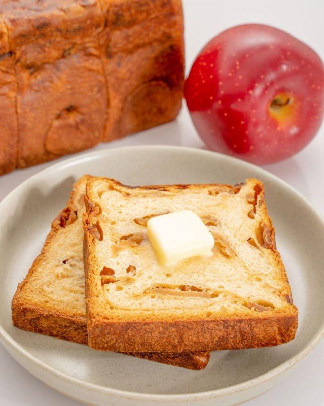 A リトルプリンセス りんご食パン宣材7縦